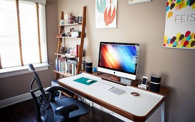 Home-office-with-a-multitasking-desk-and-restrained-shelf-space